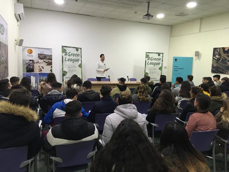 Punto informativo #GreenLeague de Ecolec en la Autoridad Portuaria de Sevilla
