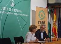 Clara Navío y Julio Lema clausuran el taller.