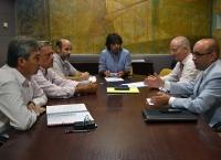 Imagen de la reunión entre la Junta y los distribuidores